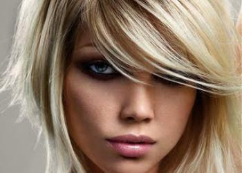 Mooie blonde haarstijl